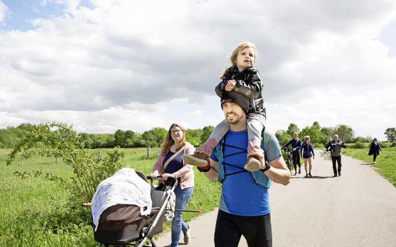 Bij de finish werd Björn opgewacht door zijn trotse gezin. Natuurlijk mocht Maja op papa's schouders.