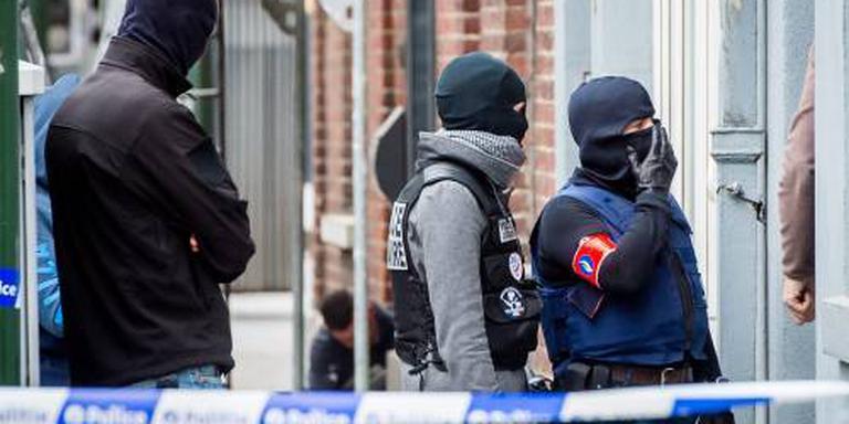Aanhoudingen in Amsterdam om aanslagen Parijs