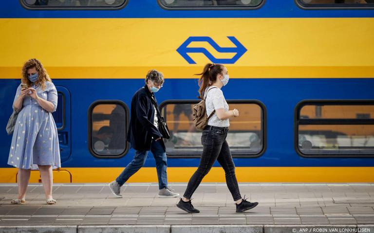 Mes in openbaar vervoer door corona: 10 procent van dienstregeling verdwijnt