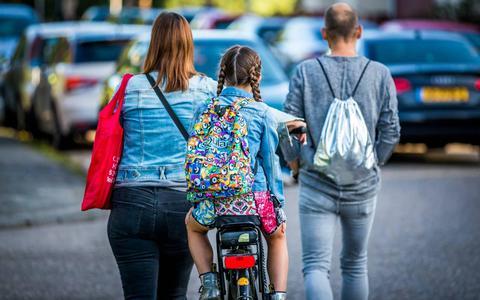 Scholen in Drenthe en Groningen willen coronaproof les geven. Alleen, hoe ventileer je de boel als het straks kouder wordt?