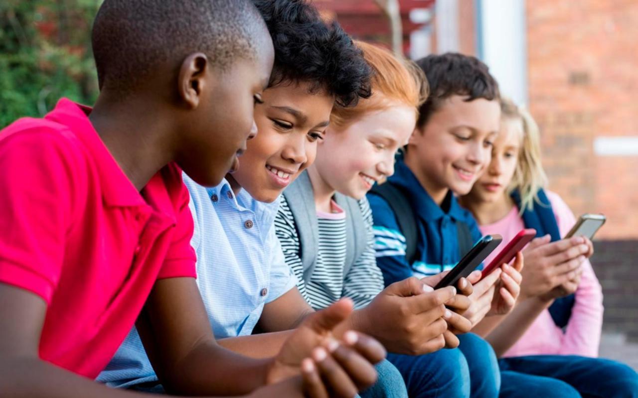 Brawl Stars is bij kinderen een ongekend populair spelletje voor op de smartphone en tablet. Geen bloed, grappig vormgegeven en je bent nooit lang dood - het ideale spelletje?