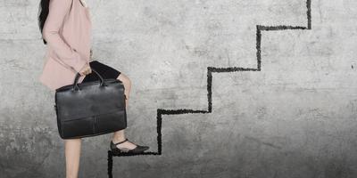 Beursgenoteerde bedrijven moeten van de Tweede Kamer verplicht worden om meer vrouwen in de top te benoemen. Foto: Shutterstock