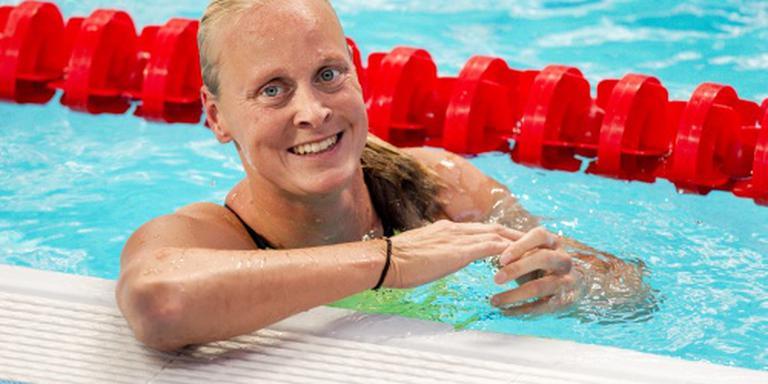 Operatie zwemster Dekker goed verlopen