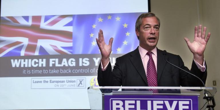 Farage legt leiderschap UKIP neer