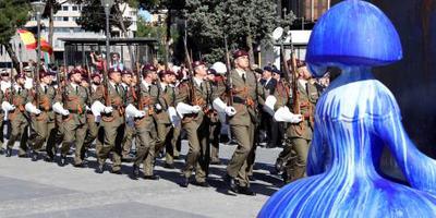 Minimumlengte Spaanse soldaten omlaag