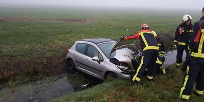 Het ongeluk bij Assen zorgt voor vetraging op de A28 richting Zwolle. Foto: Van Oost Media