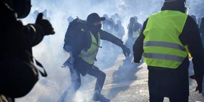 Protesten gele hesjes lopen weer uit de hand
