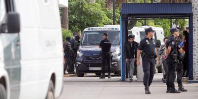 Spanje zet migranten uit na bestorming