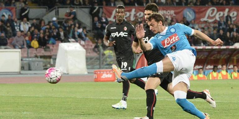 Napoli houdt huis tegen Bologna