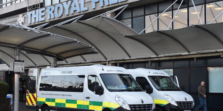 Verpleegster voor derde keer ebolavrij