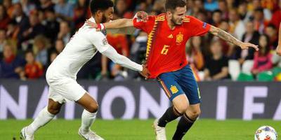 Engeland verrast Spanje in Sevilla