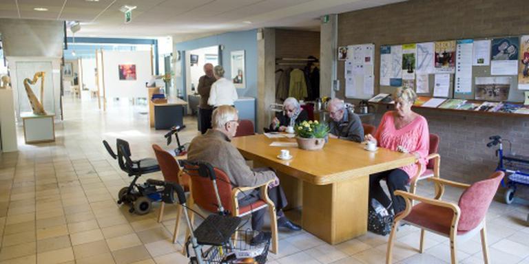 'Verpleeghuizen laten ouderen te weinig doen'