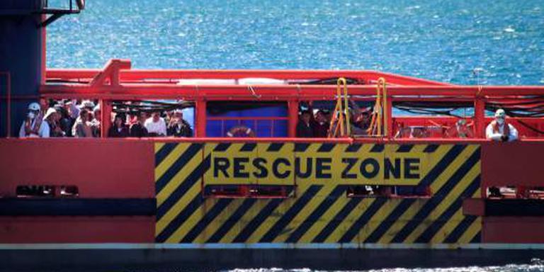 Schip met migranten zinkt bij Cyprus