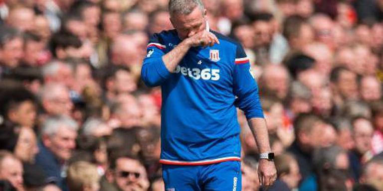 Trainer Lambert vertrekt bij Stoke