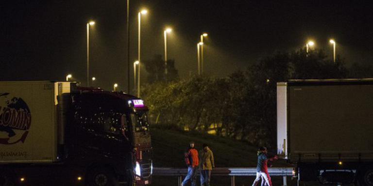 Opstootje tussen politie en migranten Calais