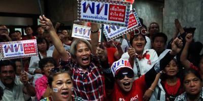 Pro-militairen leiden bij verkiezing Thailand