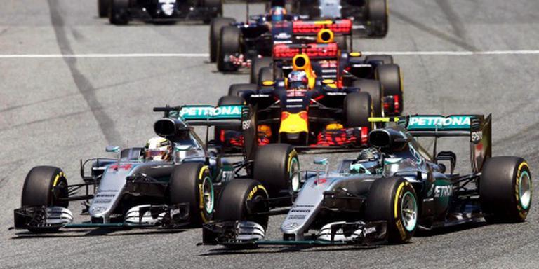 'Hamilton biedt excuses aan voor crash'