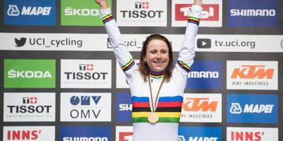 Yates en Van Vleuten winnen WorldTour