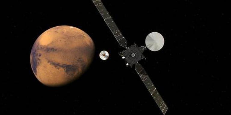 Lander begonnen aan afdaling naar Mars