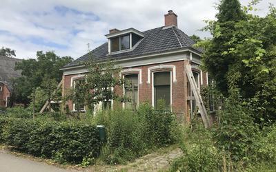Een huis aan de Kollerijweg in Woltersum wacht op versterking.