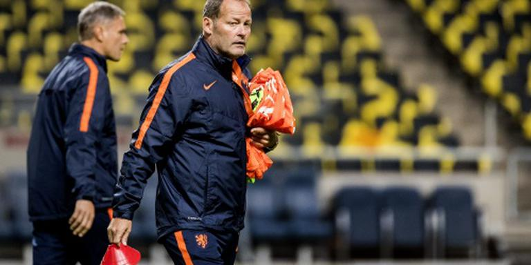 Oranje met Van Dijk en Janmaat