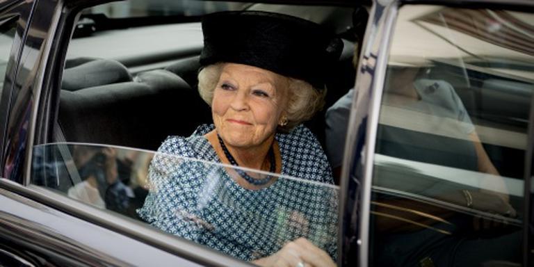 Prinses Beatrix heeft nieuwe knie