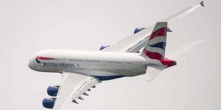 Vliegtuig wijkt uit vanwege zieke bemanning