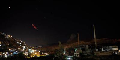 Israël bombardeert doelen in Damascus