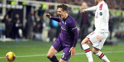 Tiental Fiorentina knokt zich naar gelijkspel tegen AC Milan