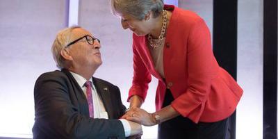 'EU biedt May langer verblijf in douane-unie'