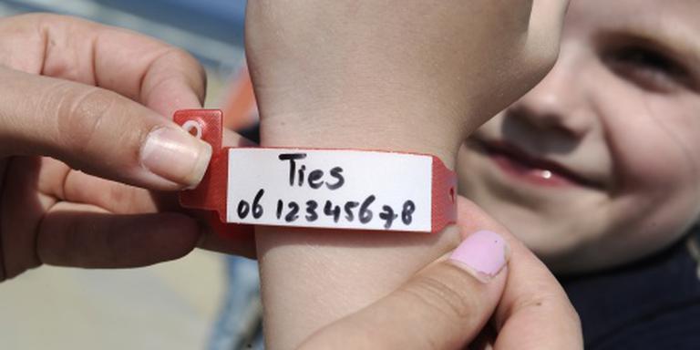06-polsbandjesactie tegen vermiste kinderen