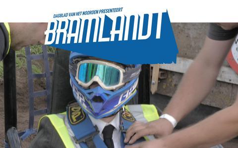 Bramlandt #25 | Bram rijdt een rondje op een opgevoerde zitmaaier (in de eerste versnelling)