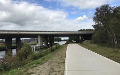 Een deel van de doorfietsroute is al klaar, maar het is een heikel punt hoe die langs Vries en bedrijventerrein Vriezerbrug moet lopen.