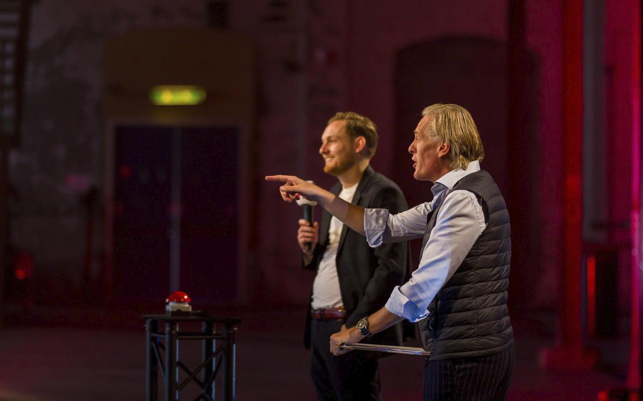 Yeelen Knegtering van Klippa (links) met Jort Kelder tijdens tv-opnamen voor de young business award in januari dit jaar.