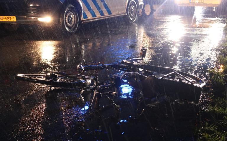 Fietser gewond bij aanrijding met auto op Langeleegte in Veendam.