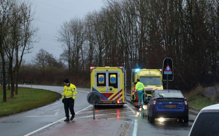 Fietser ernstig gewond bij aanrijding op rotonde in Winschoten.