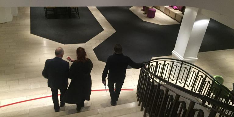 Vlnr: Henk Brink VVD, Margriet Benak van RTV Drenthe, CdK Jacques Tichelaar