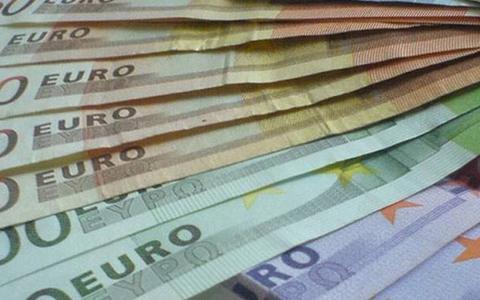 Dorpshuizen en wijk- en buurtcentra in Hoogeveen moeten komende jaren 350.000 euro bezuinigen. Voor een aantal wacht sluiting