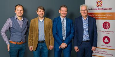 De vier ondernemers achter Kredietunie Reest en Wieden (vlnr): Jacob Talen, Gerard de Boer, Auke Lenstra en Henk Hutten.