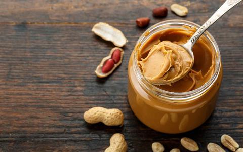 Vandaag is het nationale pindakaasdag. Hoe gezond is pindakaas?