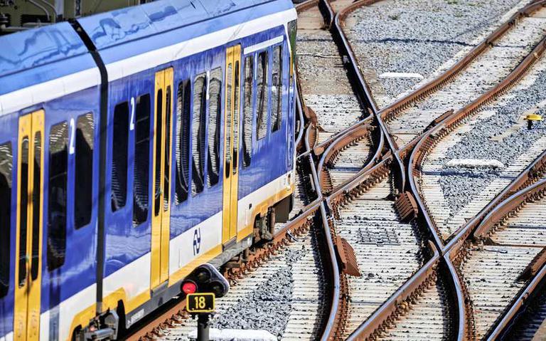 NS en ProRail: vrijwel geen treinen door telefoonstoring verkeersleiding. Zeer beperkt treinverkeer in Nederland
