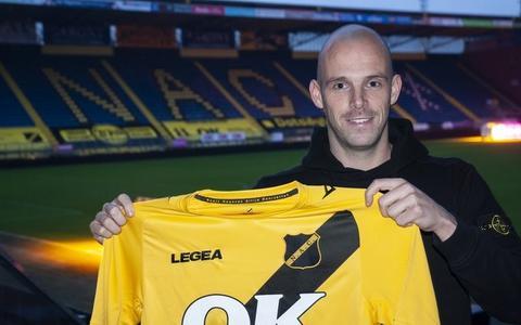 Zo verliet de kleurrijke Anco Jansen FC Emmen door de voordeur (hij was stiekem al dagenlang transfervrij)