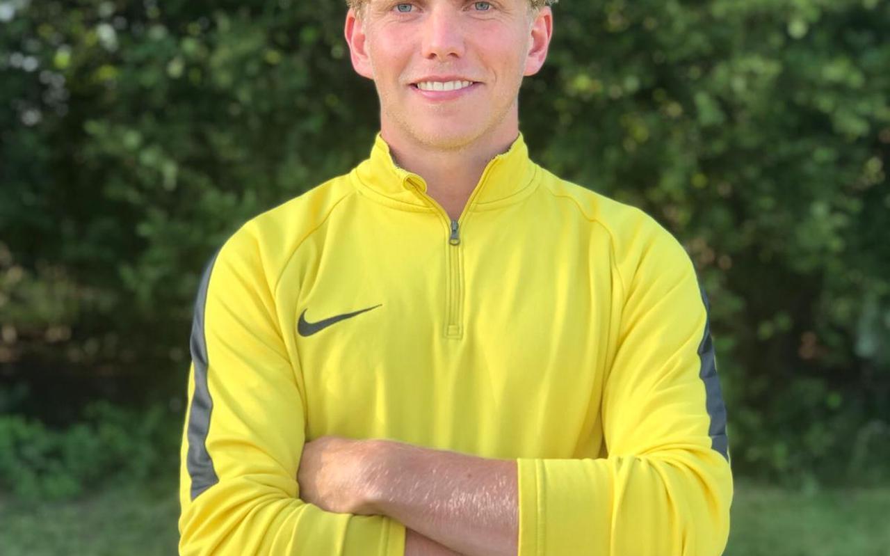 Mark Lubberts, de speler van drenthina met een eigen voetbalschool