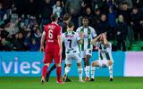 Michael de Leeuw van FC Groningen kan niet geloven dat zijn doelpunt wordt afgekeurd.