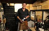 Goede wijn lekkerder met de jaren? Volgens Martijn Fernhout van Barrel Wijnlokaal in Groningen meestal niet: 'Als het afgelopen jaar ons één ding heeft geleerd, is het wel dat we moeten genieten'