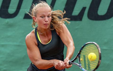Afgestudeerde Celine Koets meldt zich terug op de tennisbanen met toernooizege bij Cream Crackers in Groningen