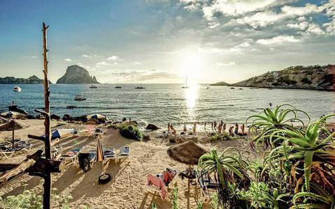Spanje opent vanaf juni deuren voor toeristen en het reisadvies gaat waarschijnlijk naar code geel. Ligt er deze zomer weer een mooie vakantie in het verschiet?