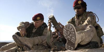 Een 60mm-mortier uit de hand afgevuurd in Afghanistan. FOTO DEFENSIE