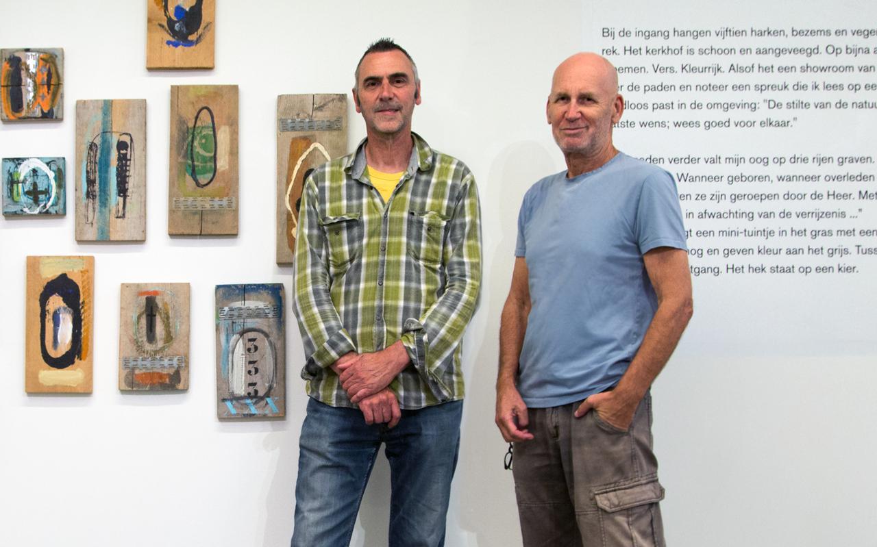 De makers van de tentoonstelling Grensgebied: Cor Sonke (links) en Peter Veen.