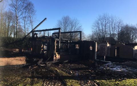 Van de afgebrande boerderij in Wachtum is helemaal niets meer over
